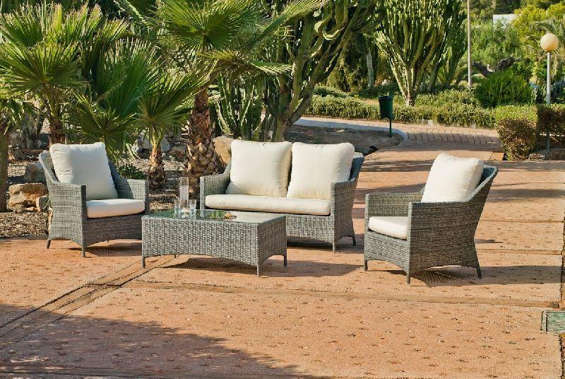 Salon de jardin résine Cambel 4 places avec coussins blanc cassé ...