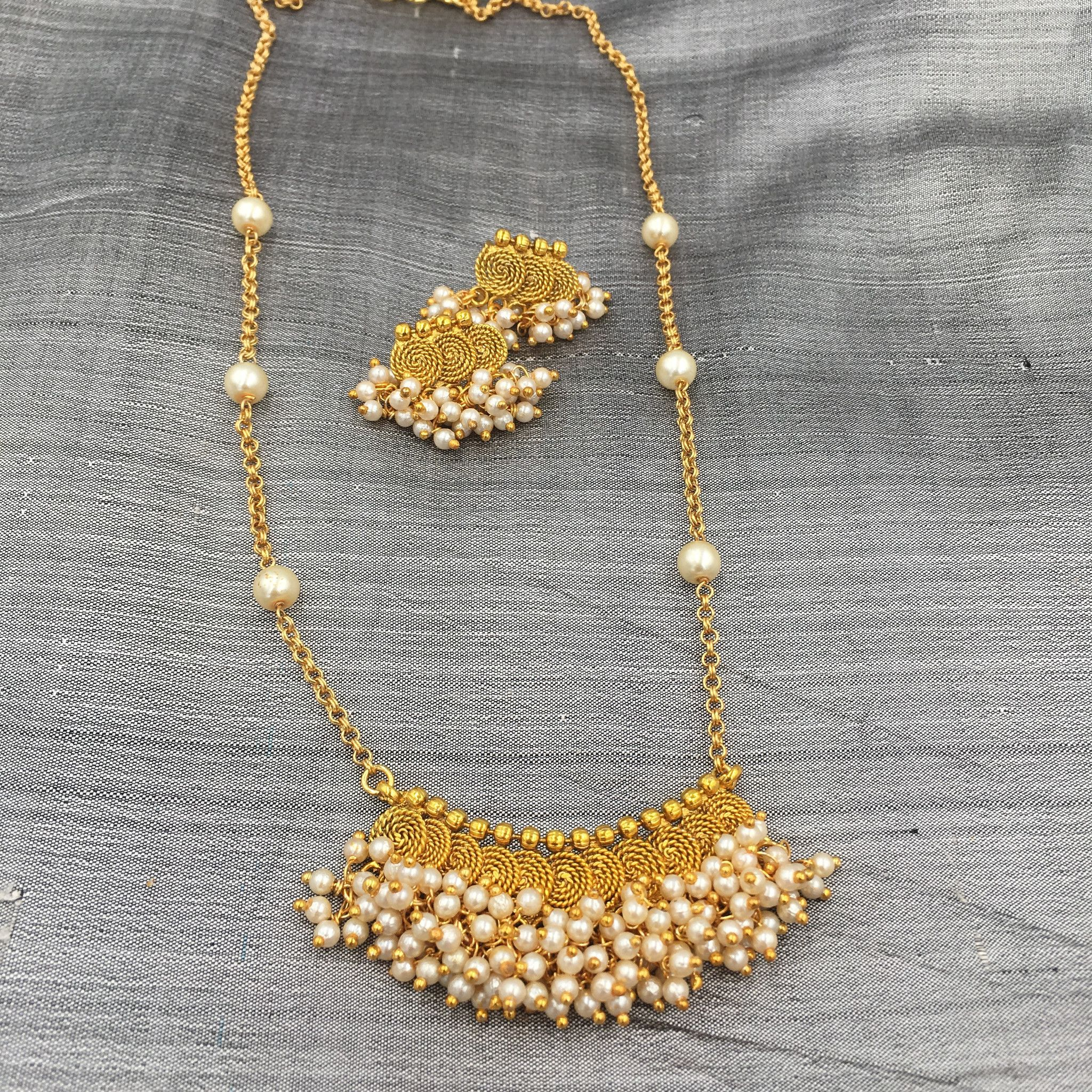 Clustered moti with coins ball chain necklace jewellery