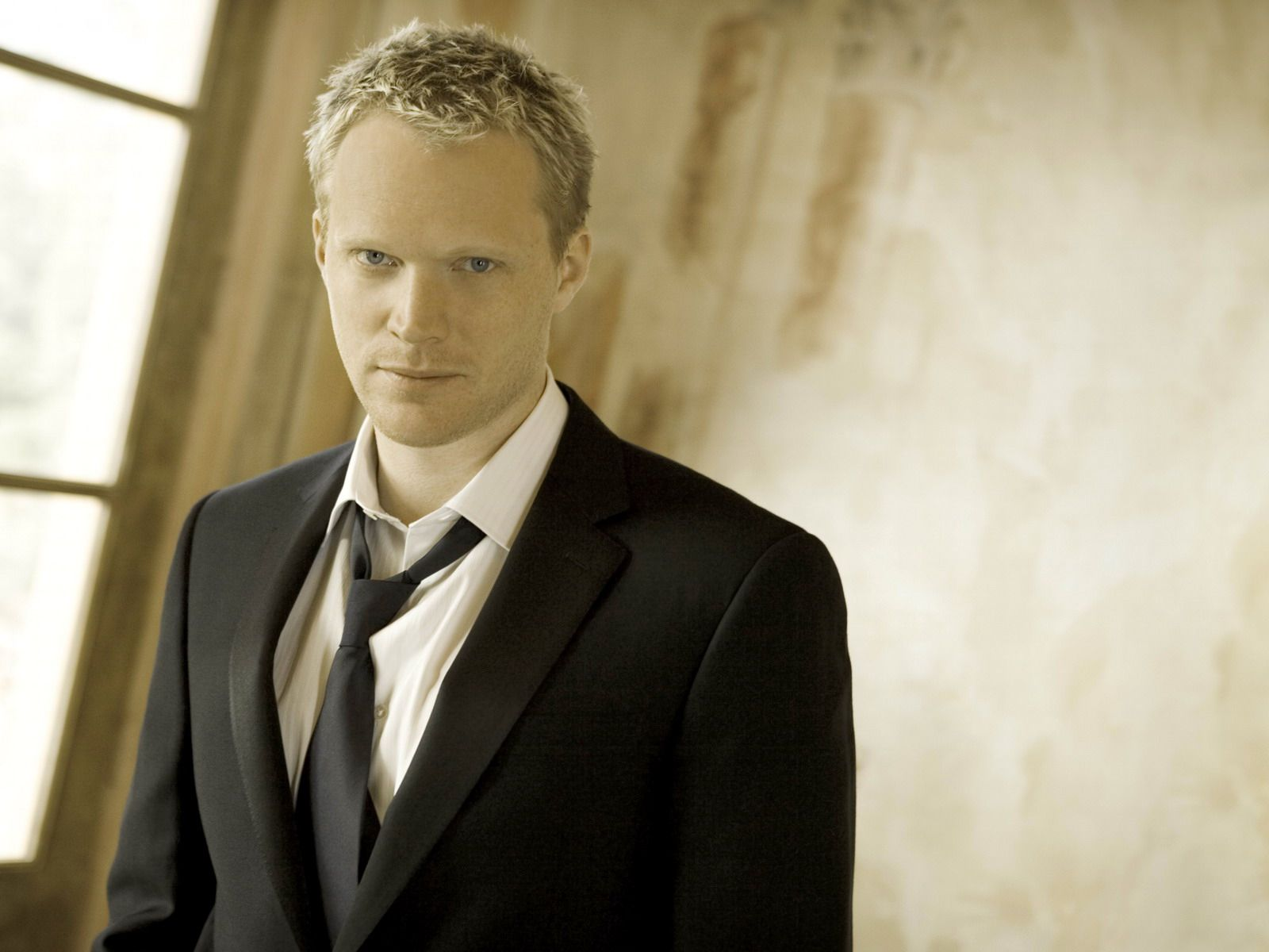 Paul Bettany. Love his acting.