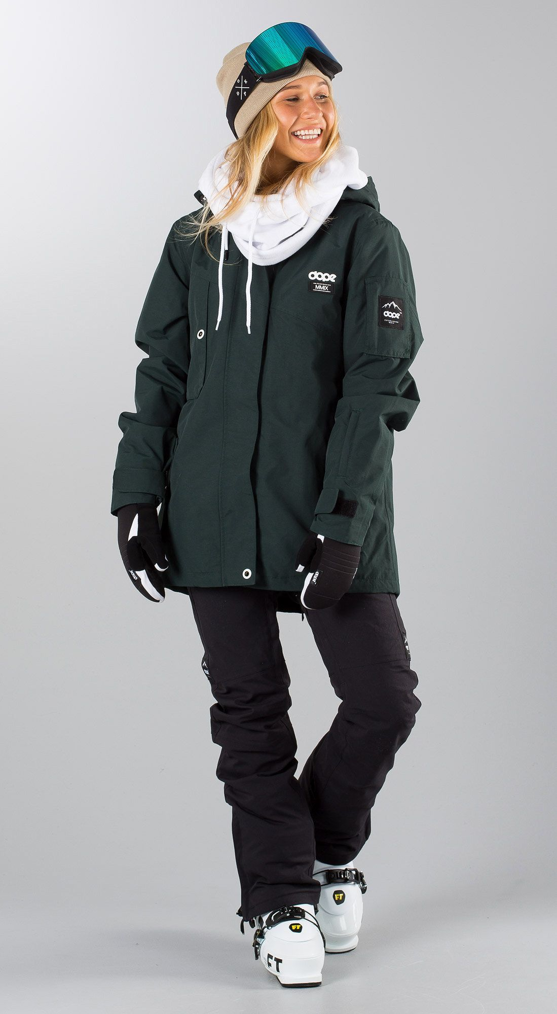 Pin by Becca Behrens on Snowboarding gear in 2020 | Womens