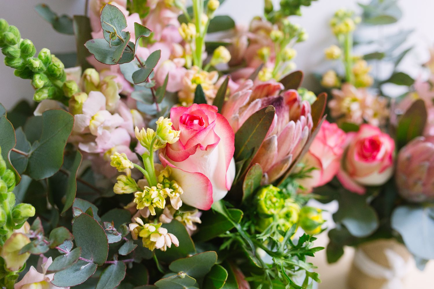 Flowers by thelittlemarketbunch Photo by lizzieskyllas