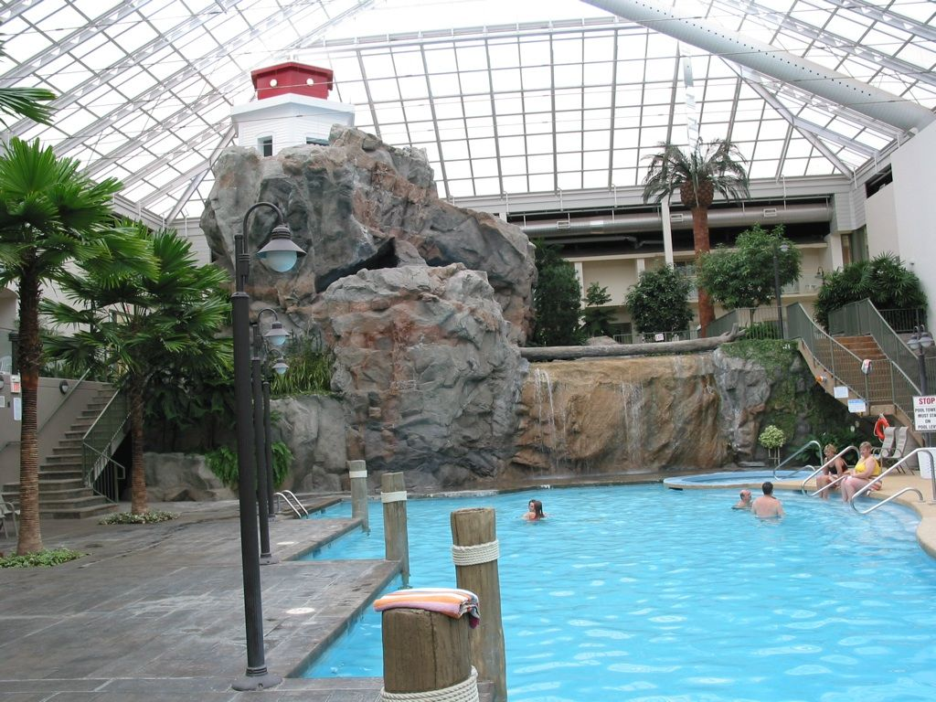 All artificial rock at the bestwestern in london big - London swimming pools with slides ...