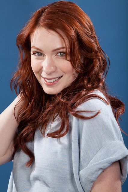 Blue Shirt 5 With Images Felicia Day Redhead Gorgeous Redhead