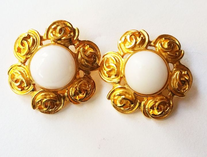 Authentic Vintage Chanel Gold Cc Camellia Opaque Stone Clip On Earrings As Seen On Lady Gaga Marked 94 Made In Vintage Chanel Jewelry Earrings Chanel Jewelry