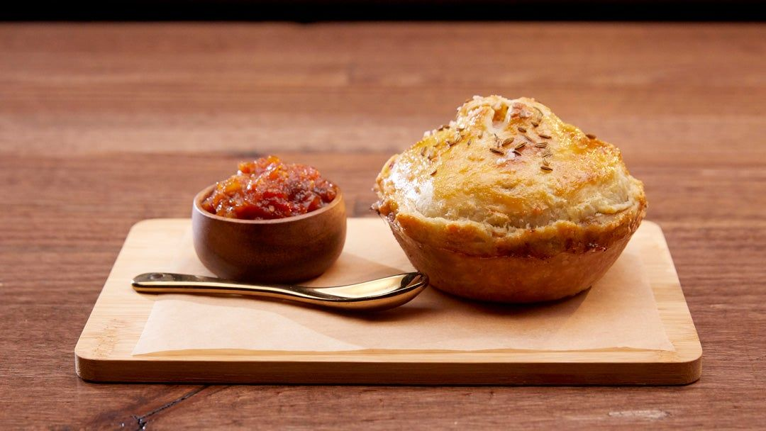 Chicken Pancetta And Leek Pie With Tomato And Apple Chutney In 2020 Masterchef Recipes Easy Pie Recipes Apple Chutney