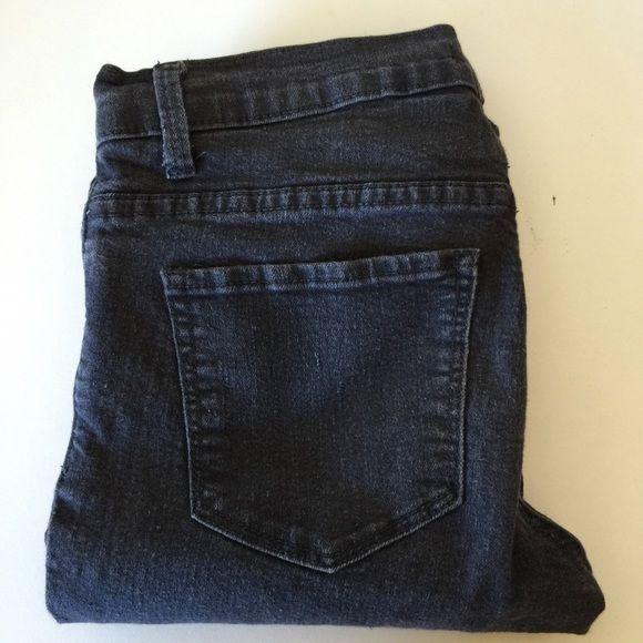 Forever 21 Gray Skinny Jeans Forever 21 gray skinny jeans Forever 21 Pants Skinny