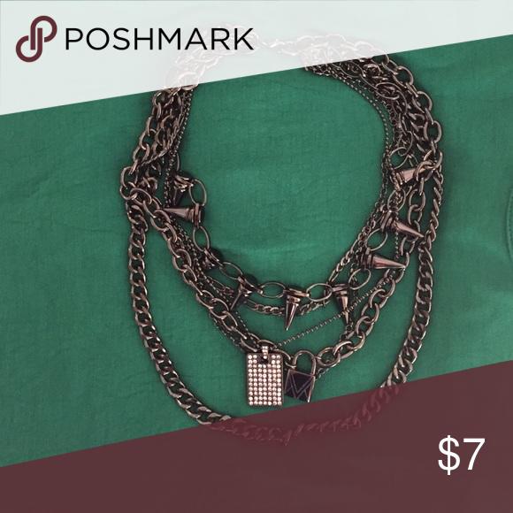 Trendy necklace Trendy necklace in dark silver tones Jewelry Necklaces