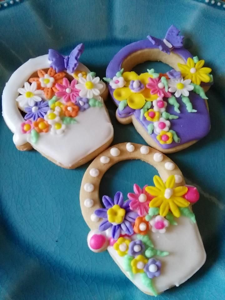 Easter Basket Cookies | Sugar cookies decorated, Cookie ...