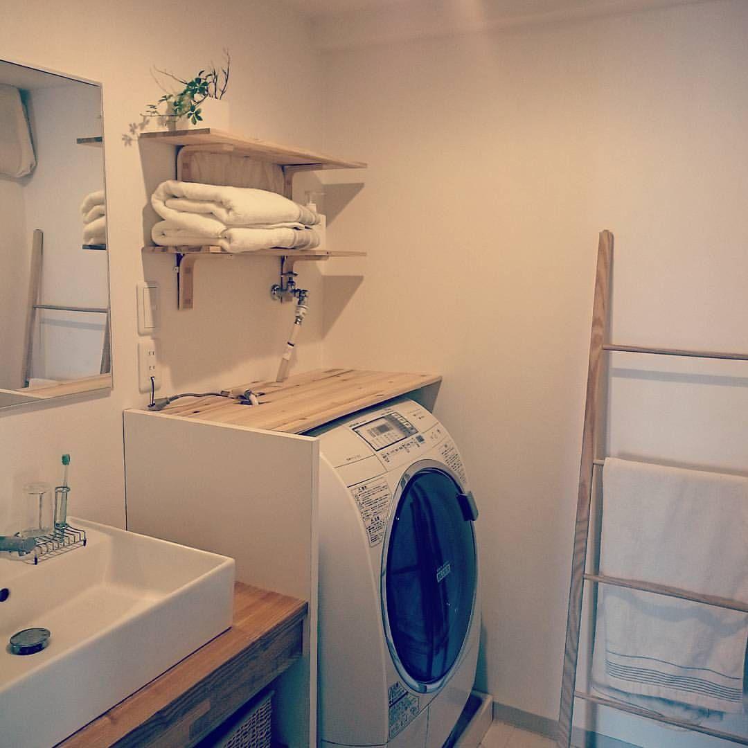 洗濯機の上に棚をつけてみた が 洗面台の下の収納が結構入るからあまり置くものがないことに気付く プチdiy 壁美人 洗面台 脱衣室 収納 洗濯機 棚