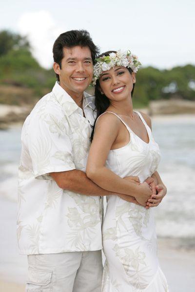 Hawaiian Wedding Dresses Matching Groom Shirts