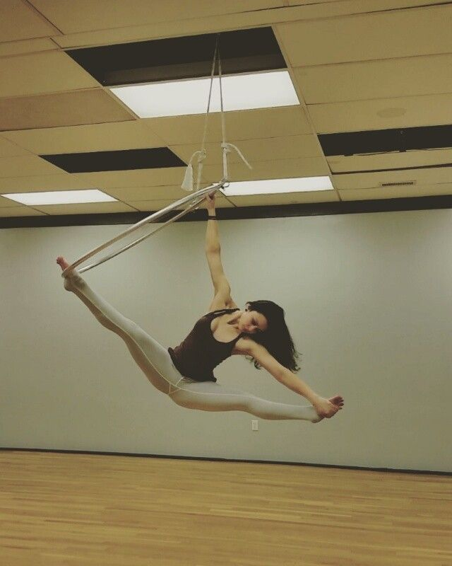 Beginnings of a sweet little combo ☆ #aerialist #aerial # ...