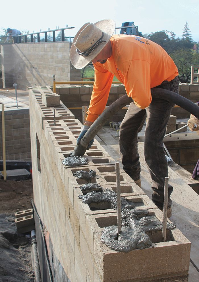 Photo 2 Of 10 In Ingenious New Building Method Replaces Concrete Rammed Earth Rammed Earth Homes Concrete Blocks