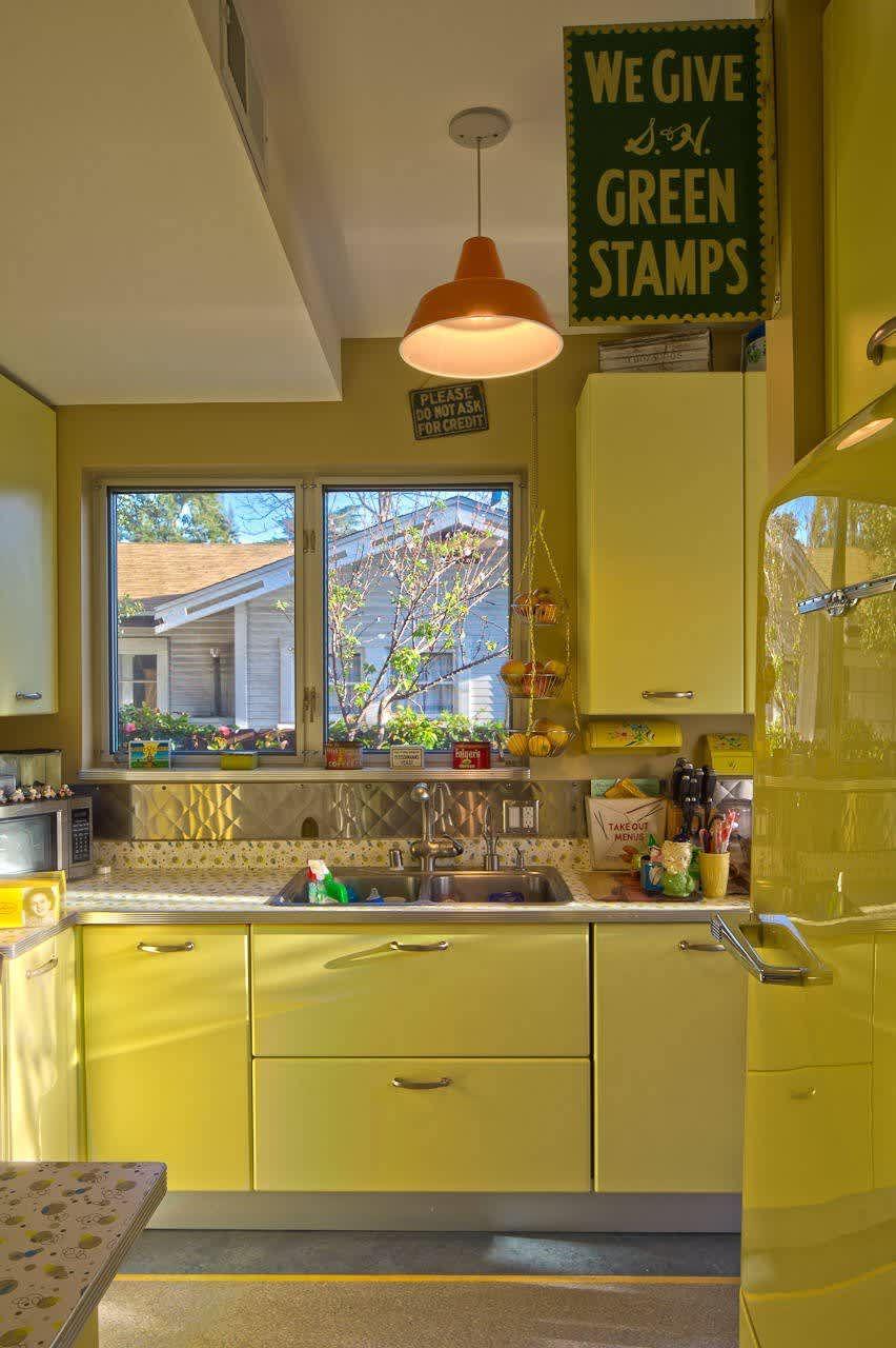 10 bright cheery yellow kitchens yellow kitchen yellow kitchen cabinets yellow kitchen designs on kitchen yellow id=19639