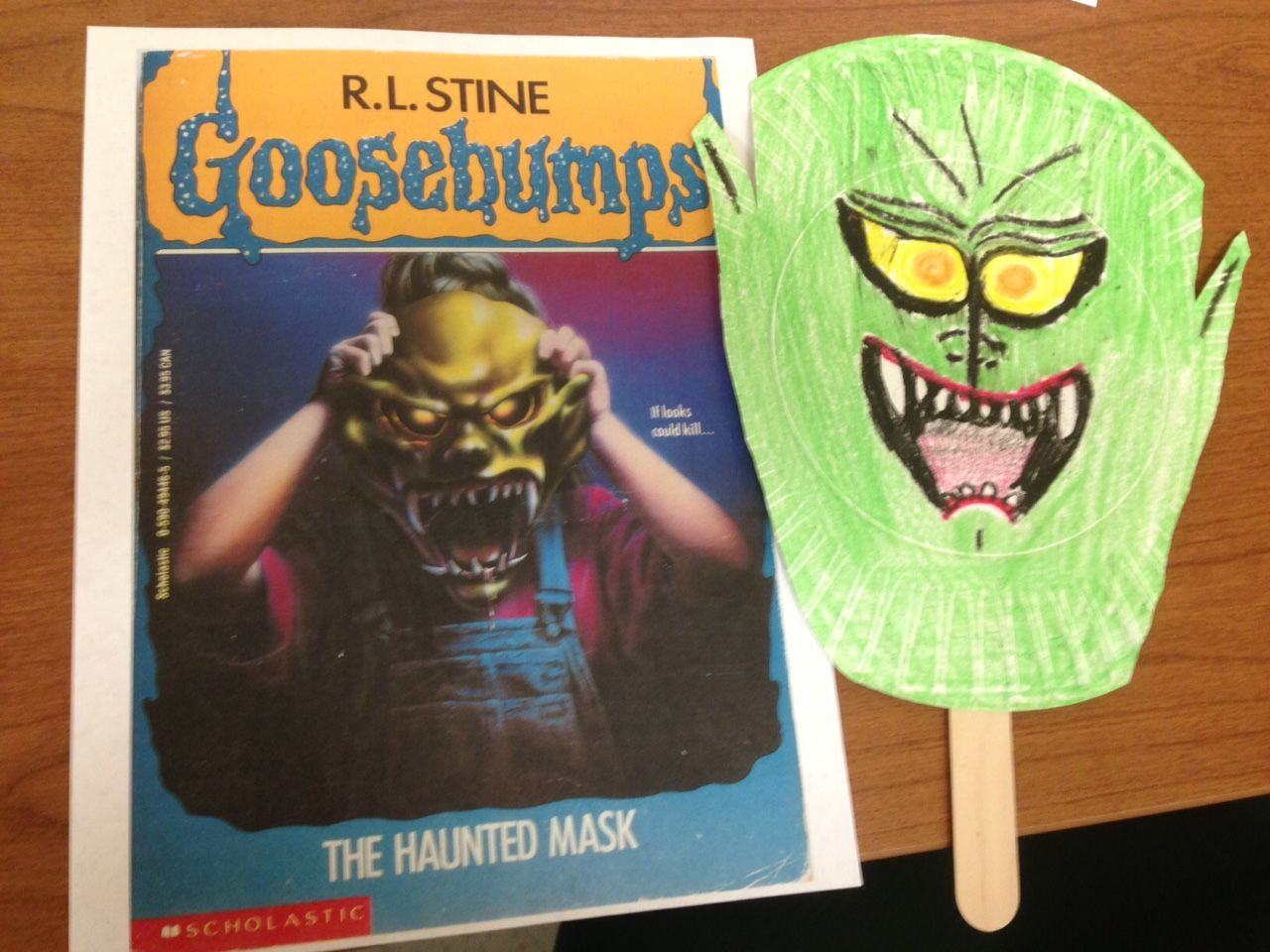 Easy Craft Haunted Mask Color Creepy Crayon Faces On Paper Plates With A Craft Stick Holder Goosebumps Party Kids Party Goosebumps Books