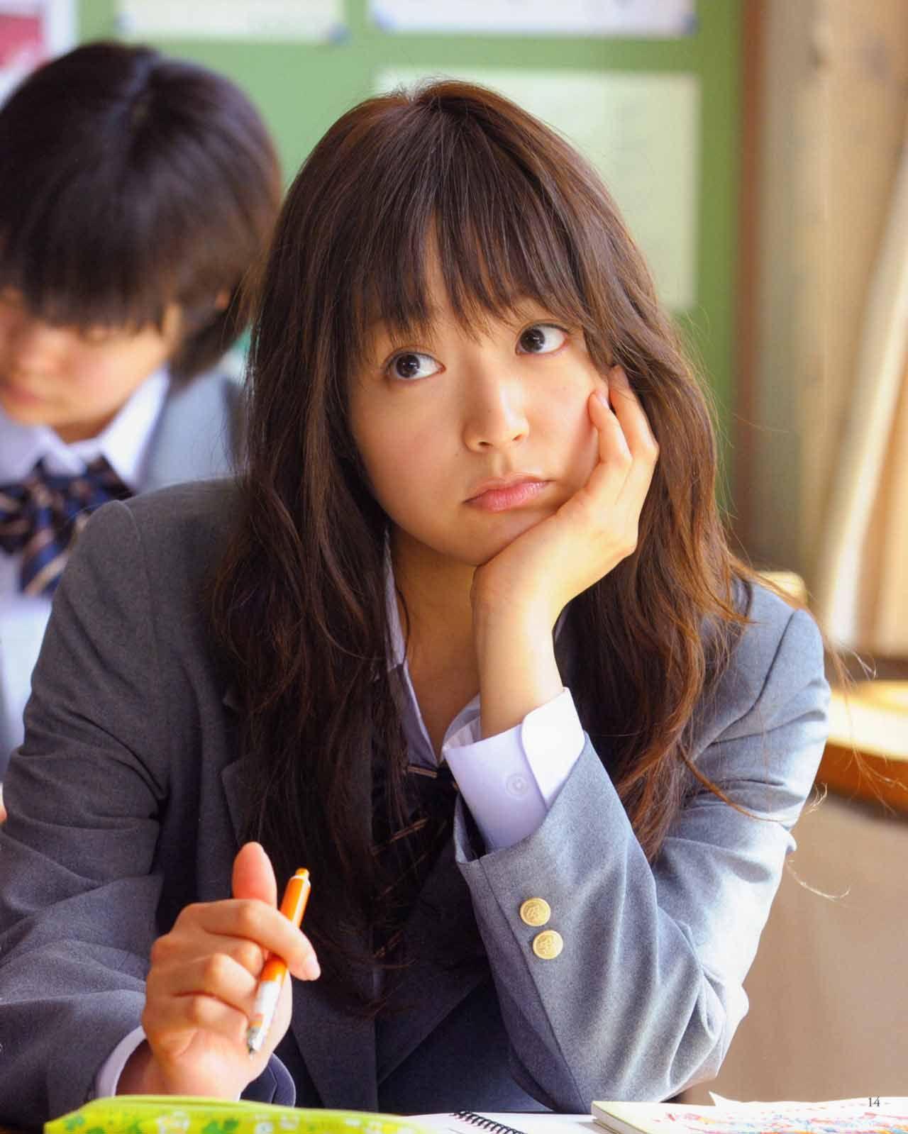 7 Gadis Jepang Dengan Wajah Super Kawaii