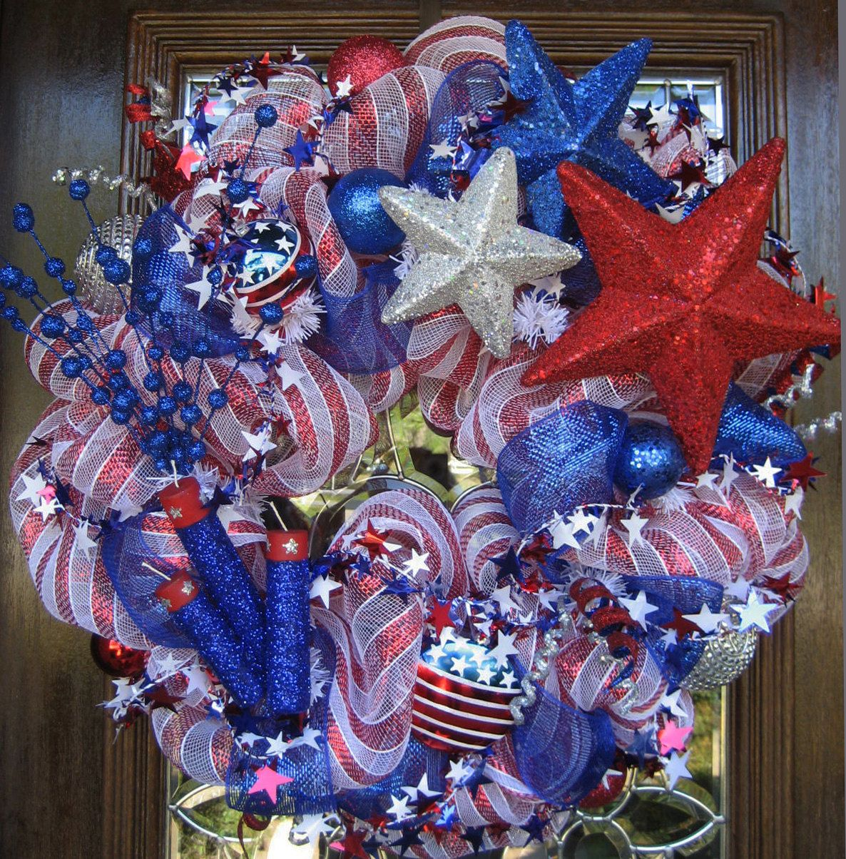 FIRECRACKERS and STARS Deco Mesh PATRIOTIC Wreath | deco ...