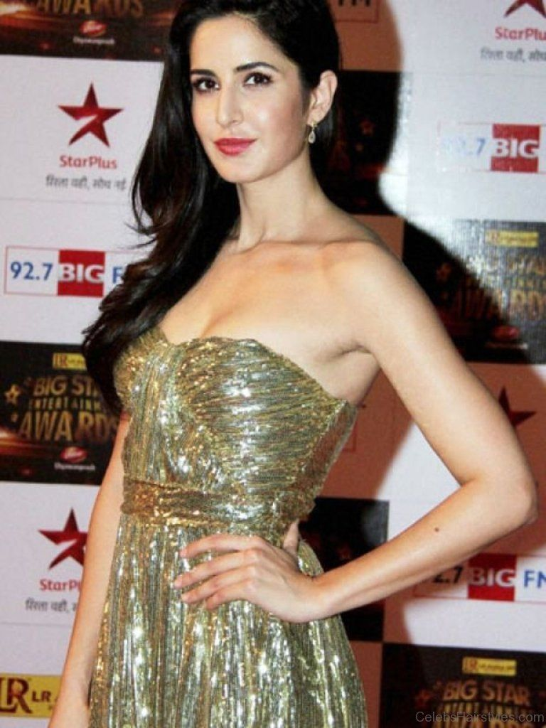 Katrina Kaif Straight Layered Hairstyle Bollywood Celebrities Katrina Kaif Indian Celebrities