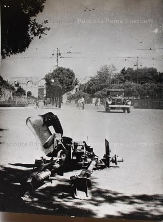 Via dei Cerchi, angolo via di San Gregorio 1943