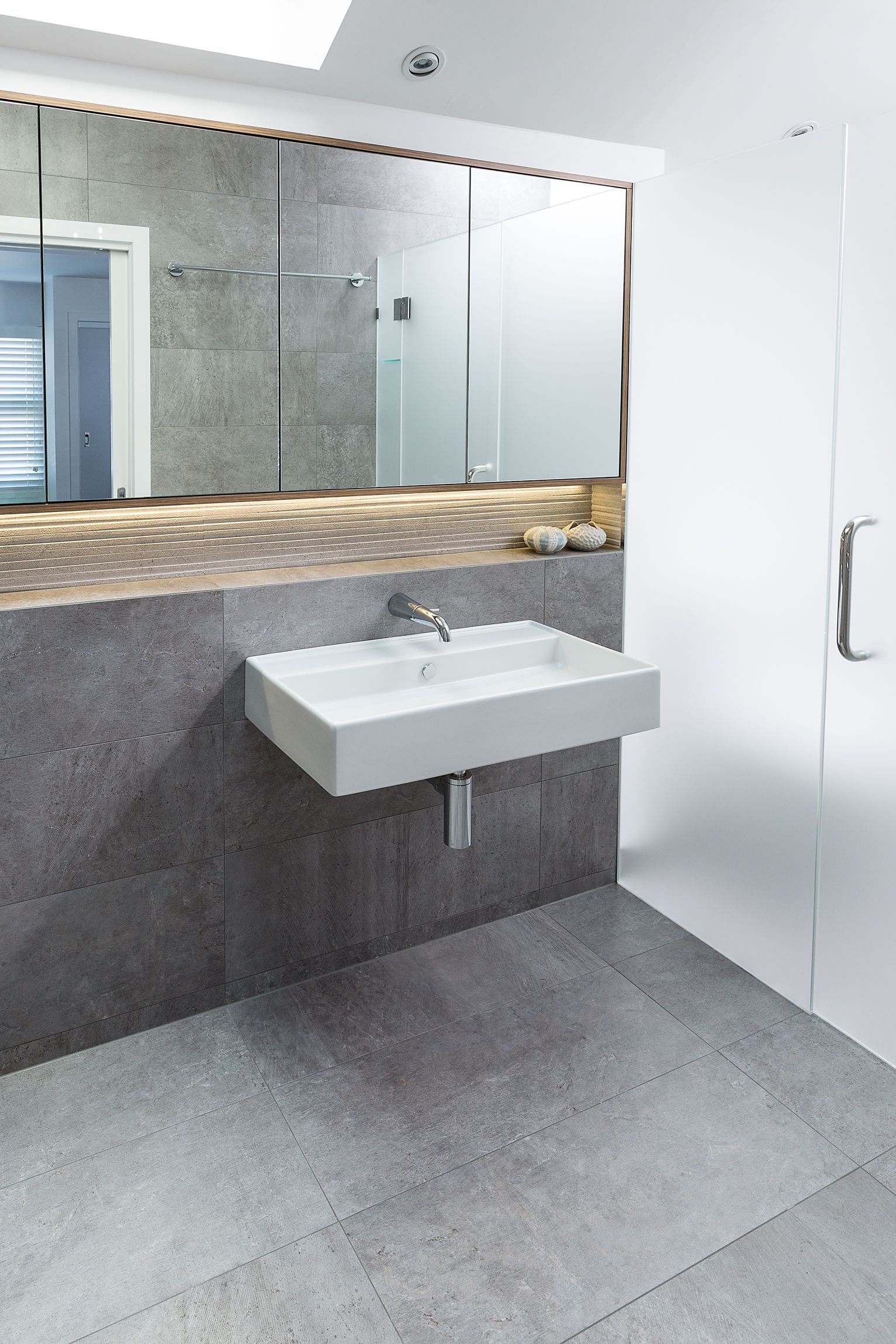 Large Wall Hung Basin For Simplicity In The Design Large