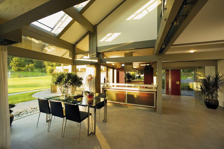 HUF Fertighaus Musterhaus Essbereich und Küche Erker mit