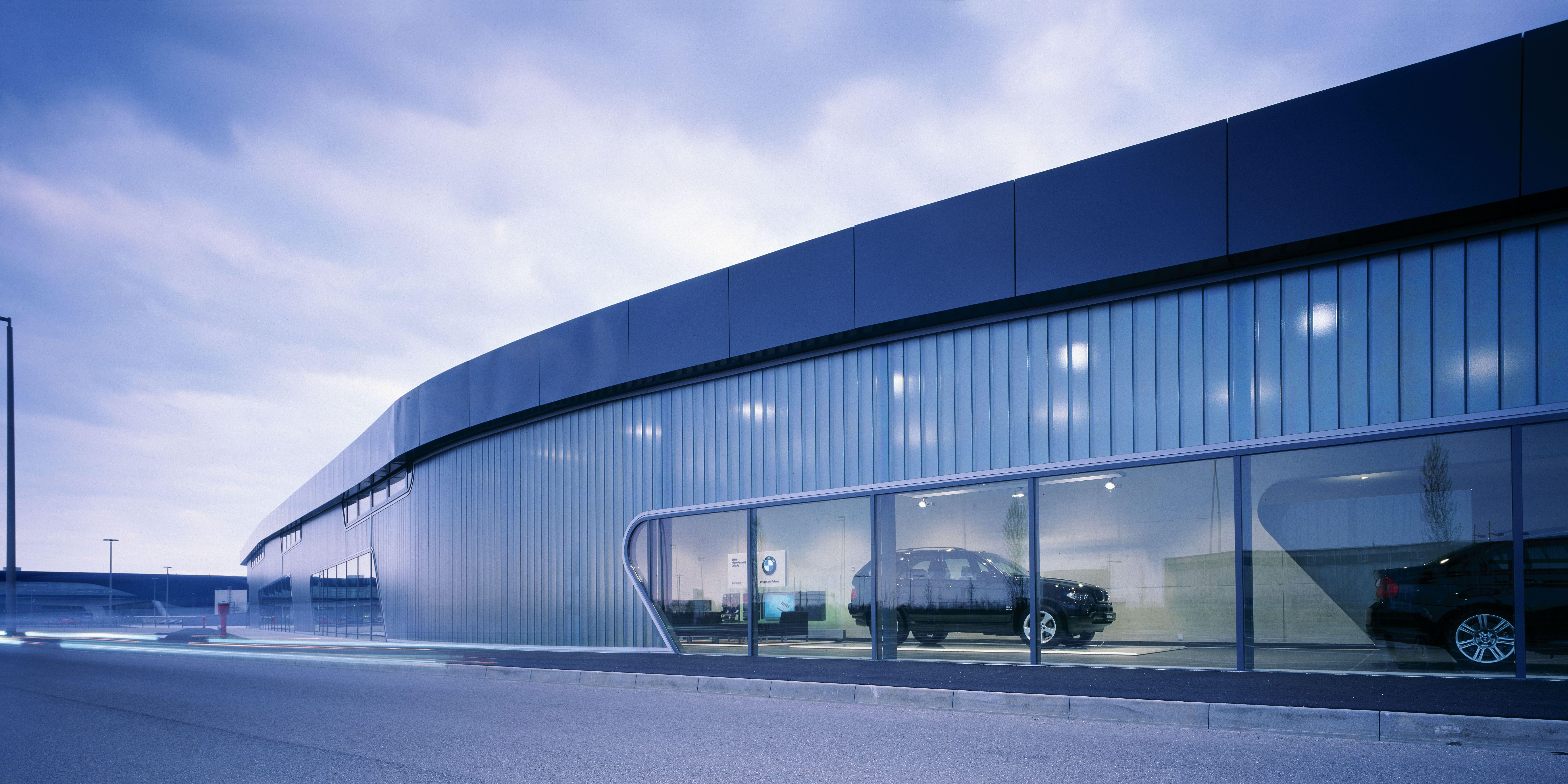 Bmw Showroom Architecture Zaha Hadid Architects
