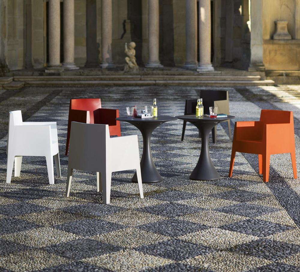 Designwebstore Toy Beige In 2020 Gartenstuhle Stuhle Philippe Starck