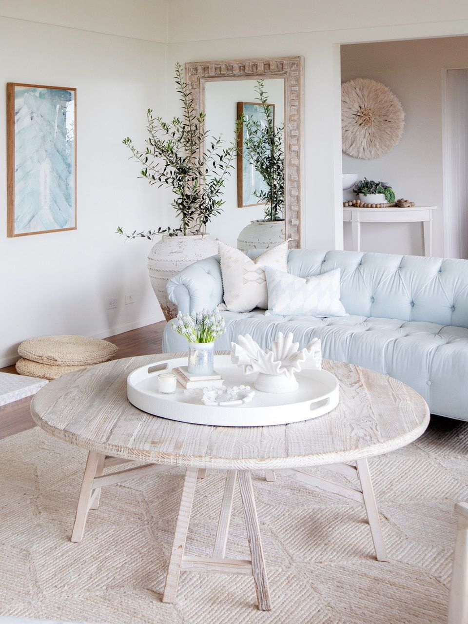 Relaxed Bohemian House Beach Look Style Bohemianliving Beachstyle Homedecor White Coffee Table Living Room Living Room Coffee Table Living Decor [ 1280 x 960 Pixel ]