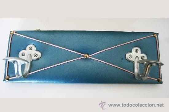 Perchero vintage años 60, de sky azul chincheteado, 22'50 € + ??