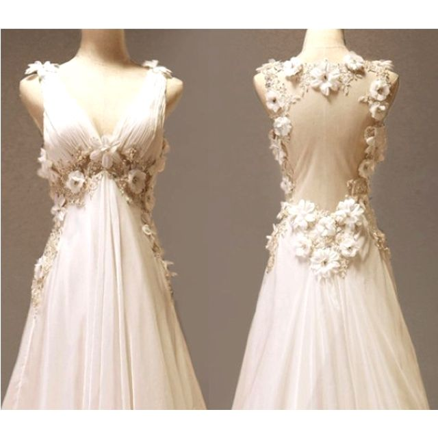 I think it looks like a Lord of the Rings wedding dress I 3 it