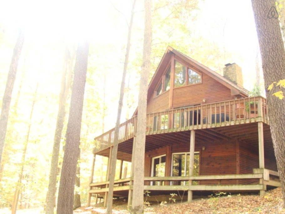 Wooded Fabulous Brown County Cabin Cabins For Rent Cabin Places To Rent Rustic House