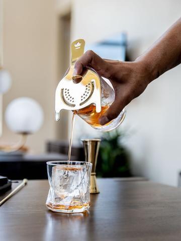 Apartment Bartender: A Guest Post by Elliott Clark ...