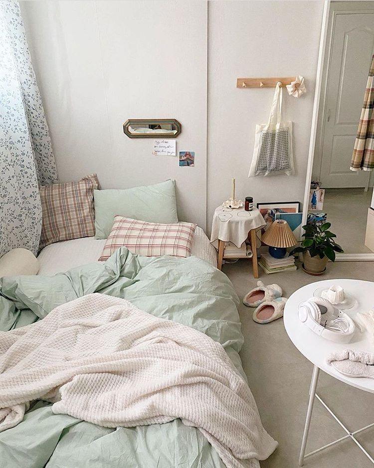 19 Interior Bedroom Minimalist Inspiration Small Room Ideas