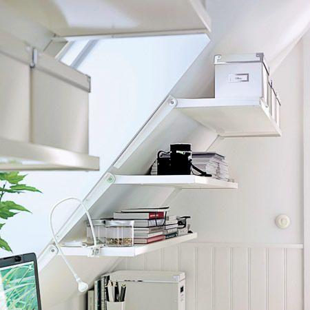 16 Praktische Wohnideen Fur Ihre Dachschrage Dachschrage Einrichten Kleiderschrank Fur Dachschrage Regal Dachschrage