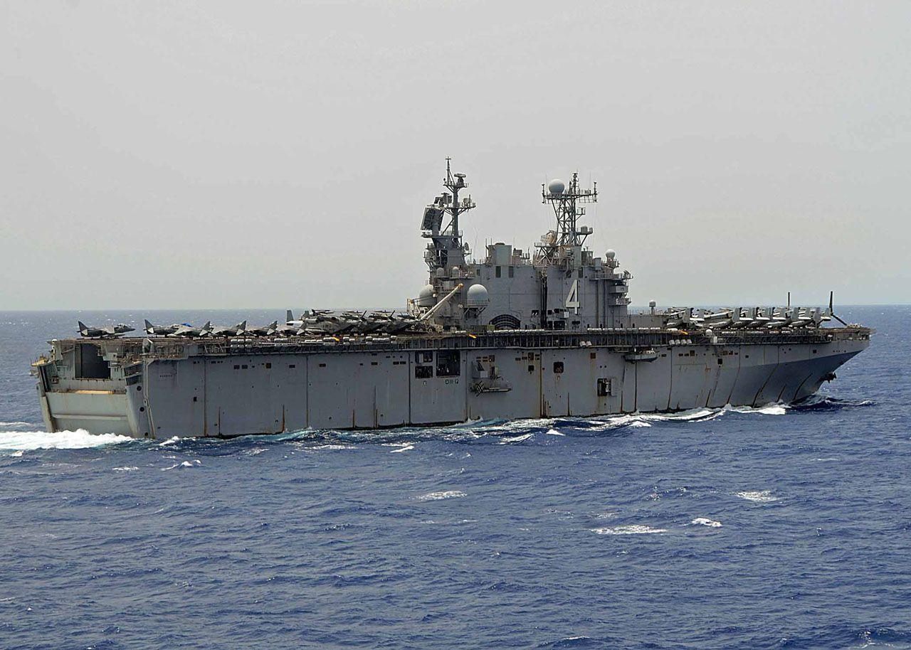 Uss Nassau Lha 4 Tarawa Class Amphibious Assault Ship Usa Us Navy Ships Navy Ships Navy Day