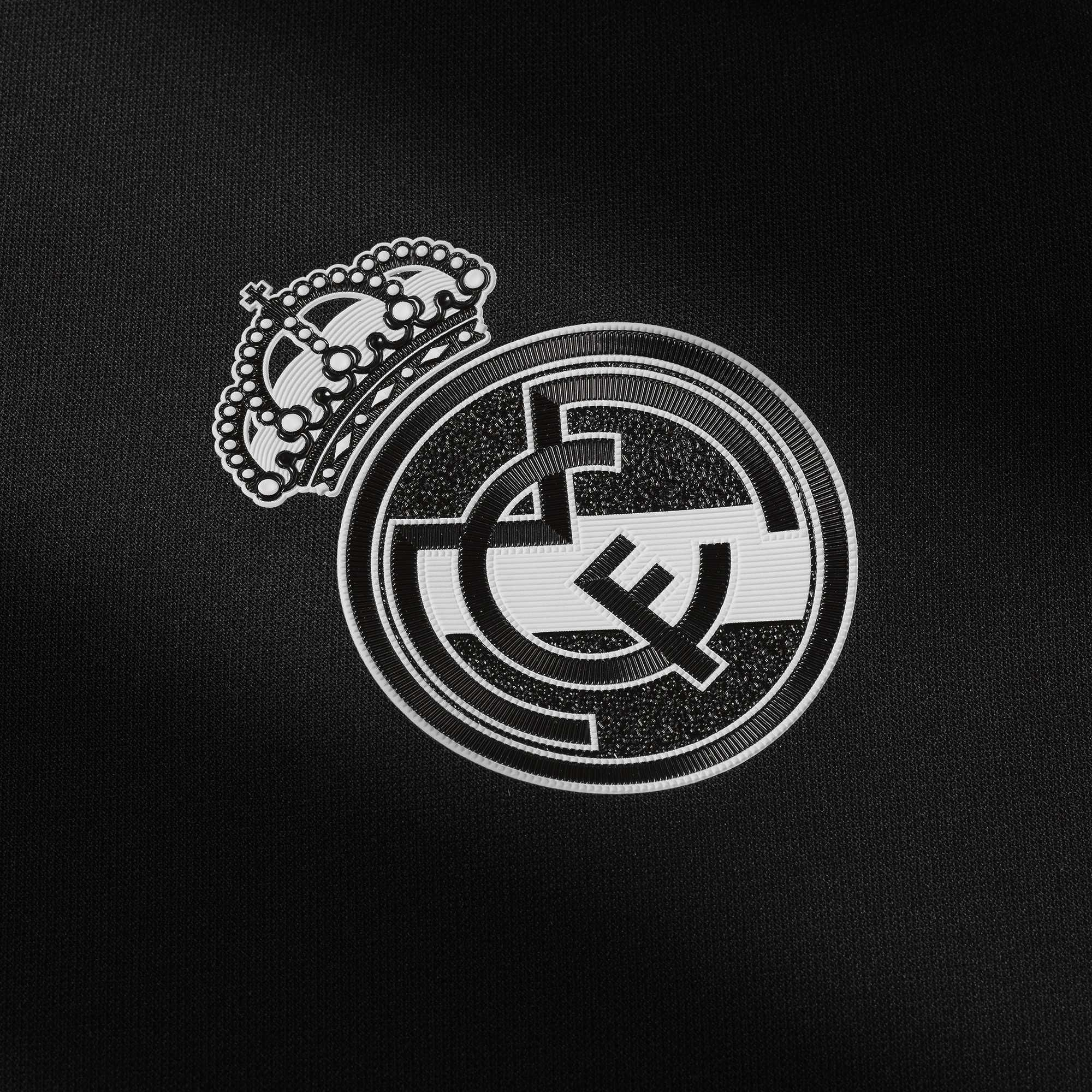 Real Madrid Wallpaper Black And White In 2020 Madrid Wallpaper Real Madrid Wallpapers Real Madrid Logo Wallpapers