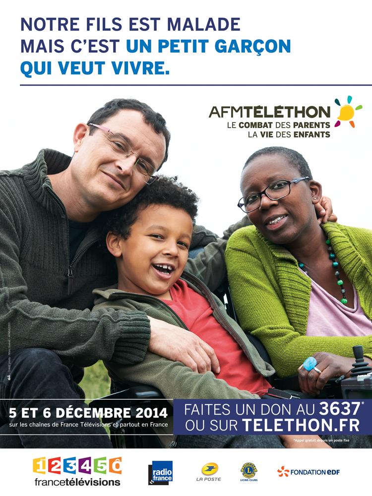 """""""Notre fils est malade, mais c'est un petit garçon qui veut vivre"""". Béatrice et Fabrice, parents de Lubin, 7 ans, atteint d'une amyotrophie spinale (maladie neuromusculaire). Ils font partie des 4 familles ambassadrices du Téléthon 2014.  ► Pour les encourager, adressez leur un petit mot d'encouragement en commentaire ► Découvrez le témoignage de cette famille sur notre site : http://bit.ly/ZgGpiZ"""