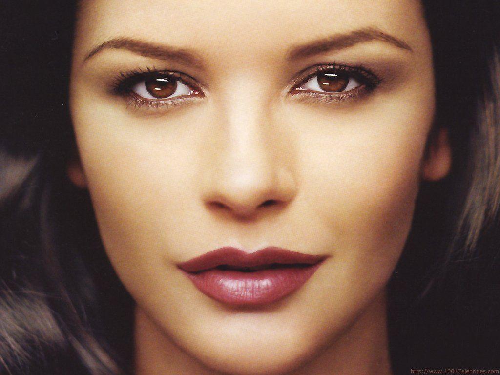 Catherine Zeta Jones χωρίς ίχνος μακιγιάζ