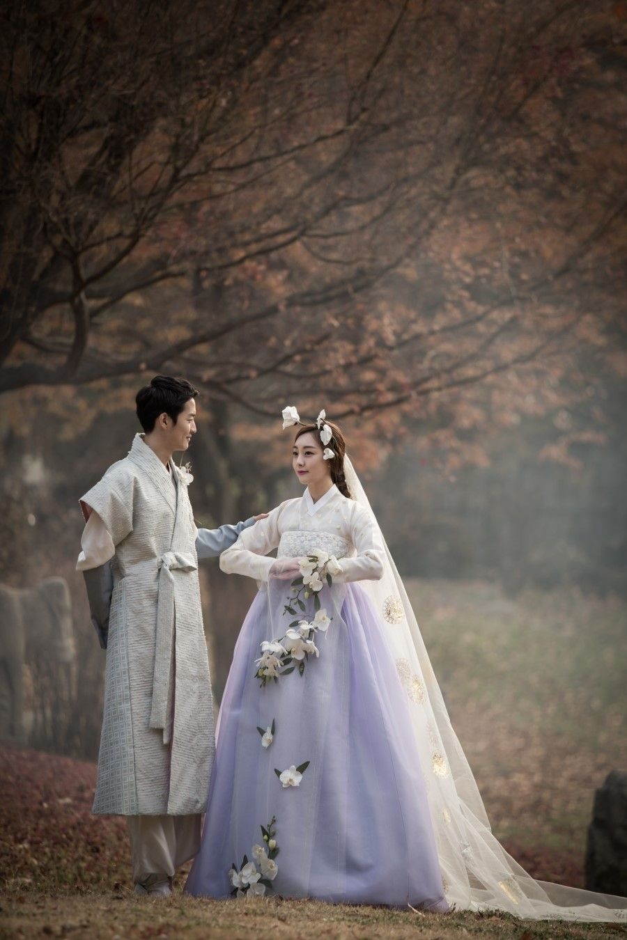 Actually, this is quite stunning. Hanbok (한복), Korean Traditional Dress