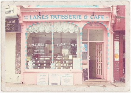 I have always wanted my own bakery and this cute shop makes me want one even more.