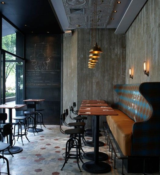 Mix Of An Industrial Structure Modern Furniture And Traditional Plaid Upholstery Cafe Interior Restaurant Design Restaurant Interior