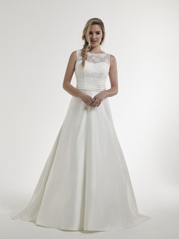 Simple And Elegant Sugar E Uk Lincoln Pure Bridal Purebridal Simpleandelegant Bridalwear