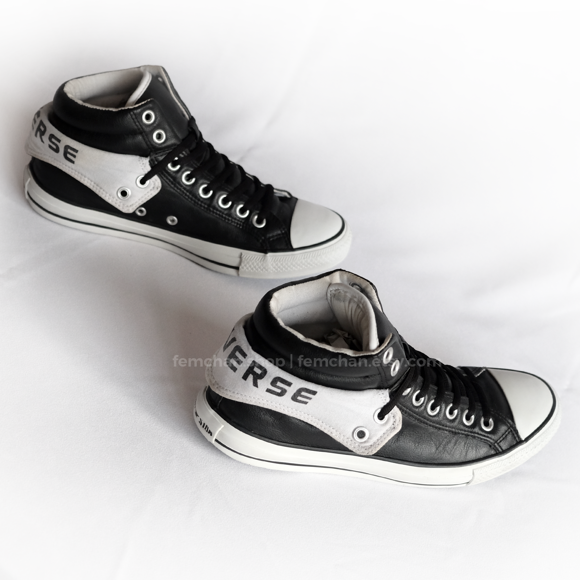 76ad162b8243  vintage  converseallstars with padded fold-over collar