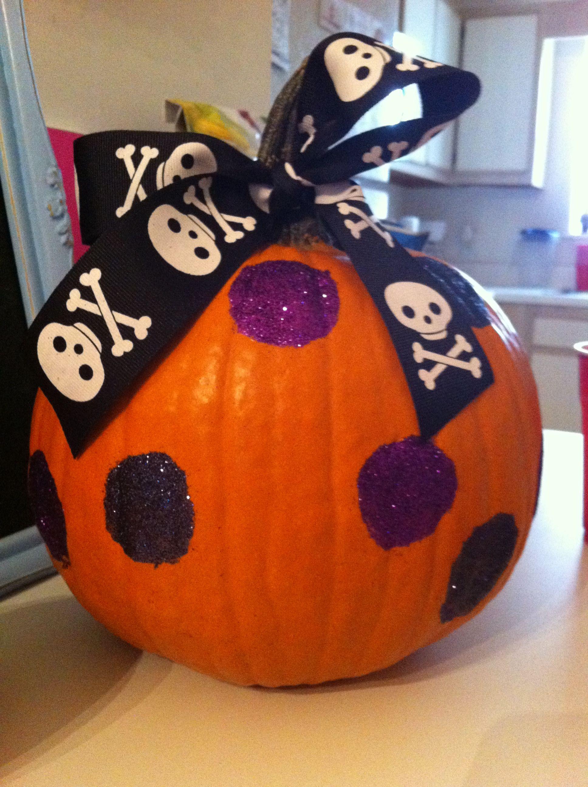 glitter dot pumpkin