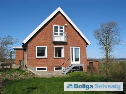 Bakkevænget 28, Sønder Dråby, 7900 Nykøbing M - Højtbeliggende villa med 180 grader udsigt til Dråby Vig/Salgjerhøj #villa #nykøbingmors #mors #selvsalg #boligsalg #boligdk