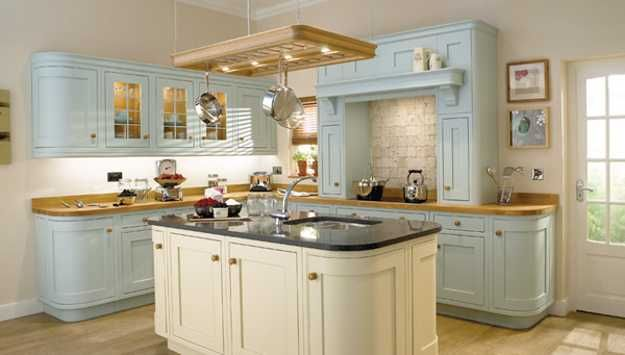 Making Kitchen Design Brighter With Modern Lighting Fixtures And Light Kitchen Colors Painted Kitchen Cabinets Colors Traditional Kitchen Design Country Kitchen Cabinets
