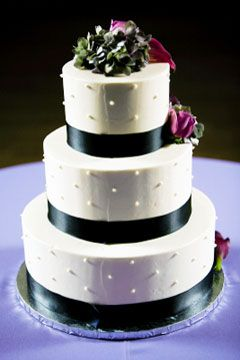 Black And White Wedding Cakes Bring An Air Of Sophistication To A Heres Some Gorgeous Cake Pictures
