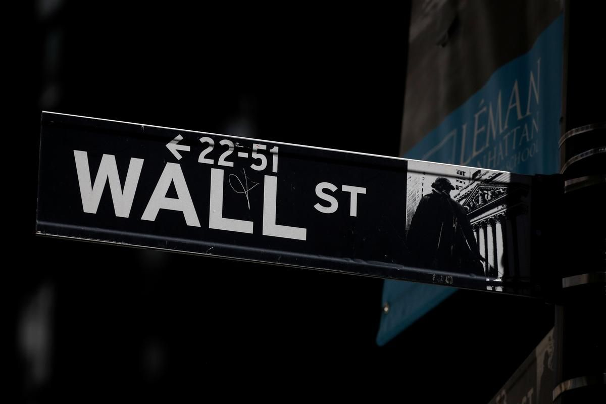 Wall Street S Leading Stocks Reveal Investor Caution Wall Street