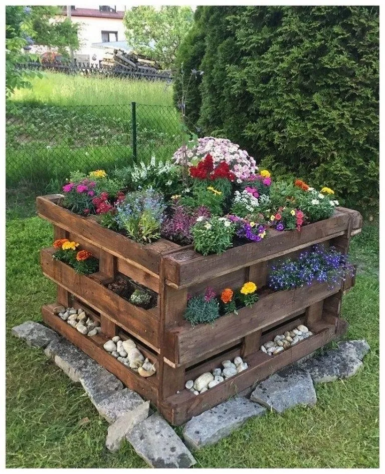 41 Raised Garden Ideas Using Used Pallet Wood Pallet Projects Garden Diy Raised Garden Raised Garden Beds Diy