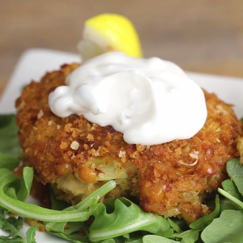 You Aren't Going To Believe These Crab Cakes Are V