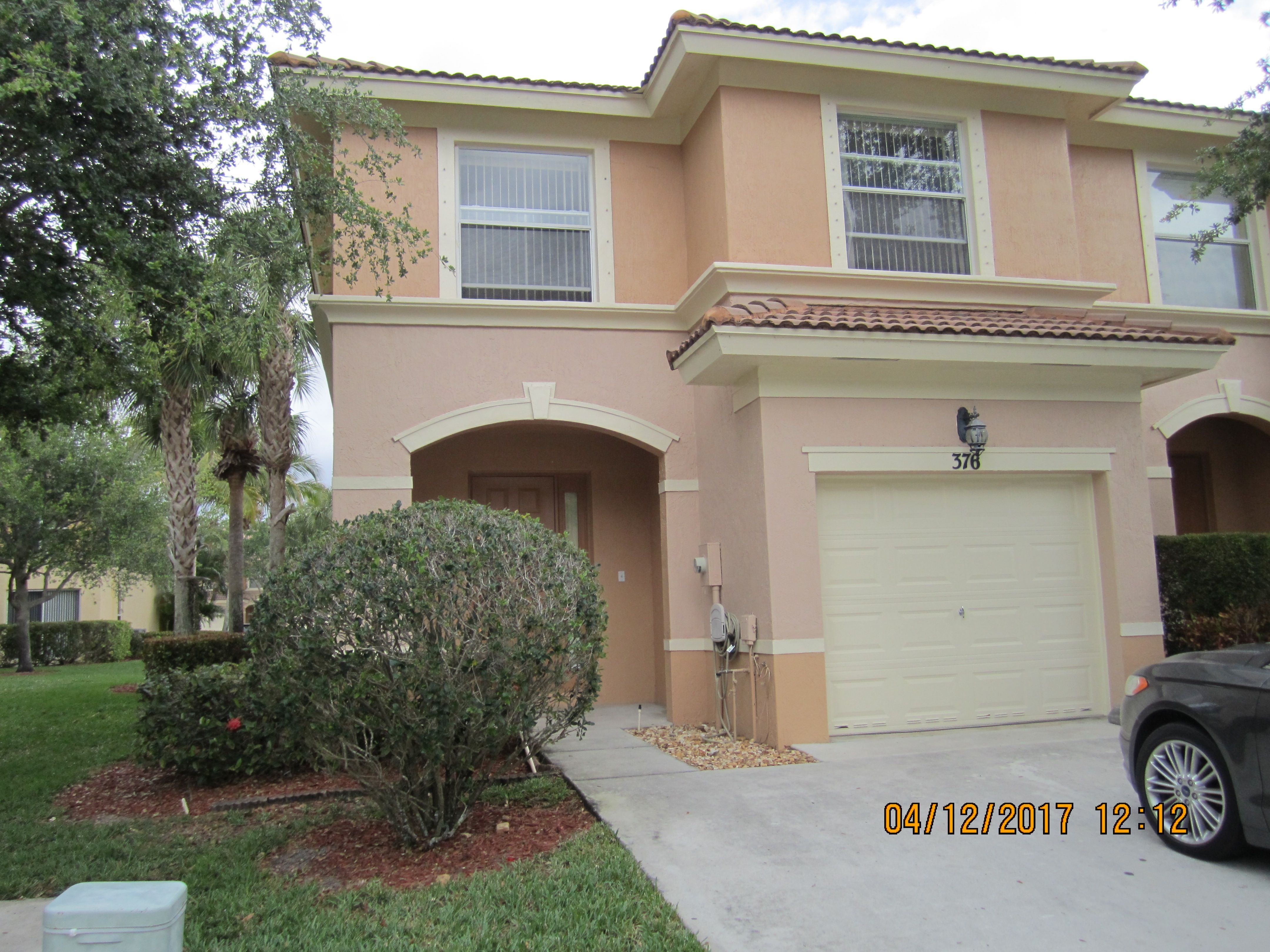 376 River Bluff Lane Royal Palm Beach Fl Townhome Rental Asking 1800 Month 3 2 1 1 Home With Partial Garage Royal Palm Beach Palm Beach County Palm Beach